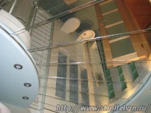 зеркальный потолок в ванной5