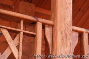 Строительство деревянного дома, общий вид и фрагменты.